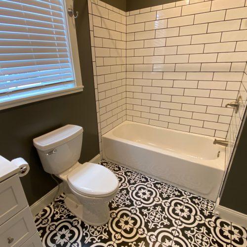 12-S-Shannon_Photo_15_Bathroom_1_Athens_Ohio_45701