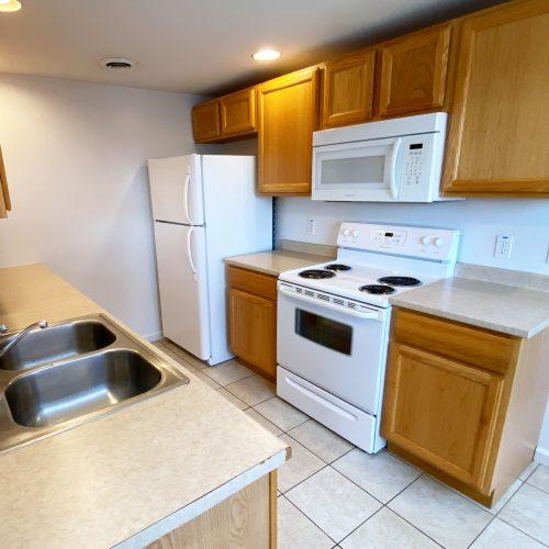 16-S-High_Apt-101_Photo_7_Kitchen_Athens_Ohio_45701