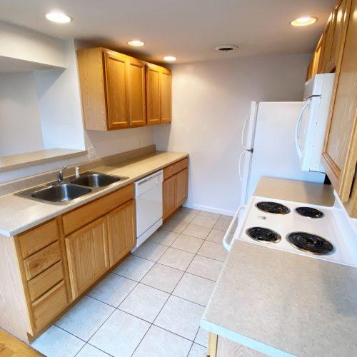 16-S-High_Apt-201_Photo_7_Kitchen_Athens_Ohio_45701