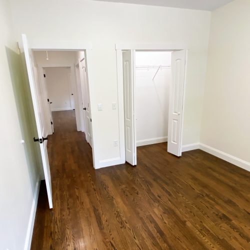 16_S_Shannon_Photo_14_Bedroom_2_closet_Athens_Ohio_45701