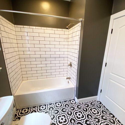 16_S_Shannon_Photo_15_Bathroom_Athens_Ohio_45701