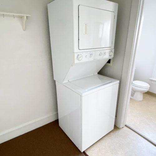 19_S_Congress_Photo_9_Apt-201_stacked washer-dryer_Athens_Ohio_45701