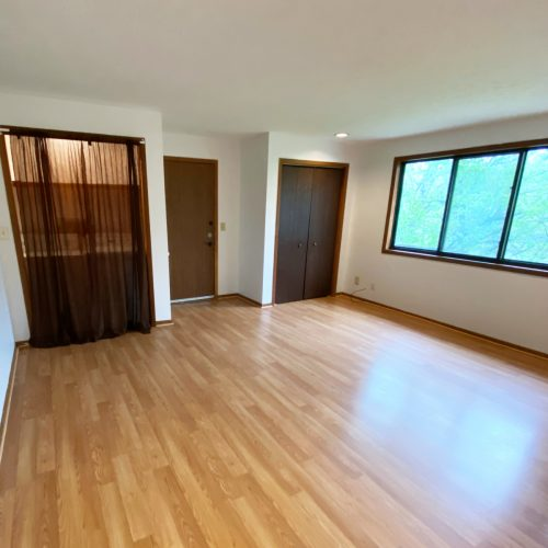 603_West_Union_Apartment_B_Photo_4_Living_Room_Athens_Ohio_45701