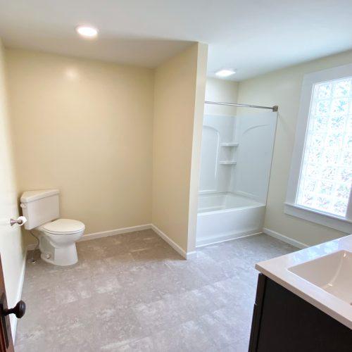 61_Sunnyside_Photo_12_Bathroom_Athens_Ohio_45701