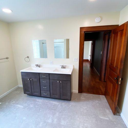61_Sunnyside_Photo_13_Bathroom_Athens_Ohio_45701