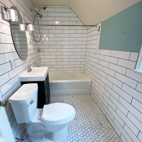 72-Elmwood-Place_Photo_13_Bathroom_Athens_Ohio_45701