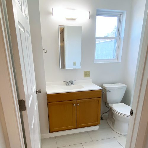 74.5_North_Court_St_Photo_11_Bathroom_Athens_Ohio_45701