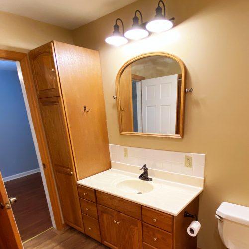 70_S_Shannon_Photo_11_Master_Bathroom_Athens_Ohio_45701